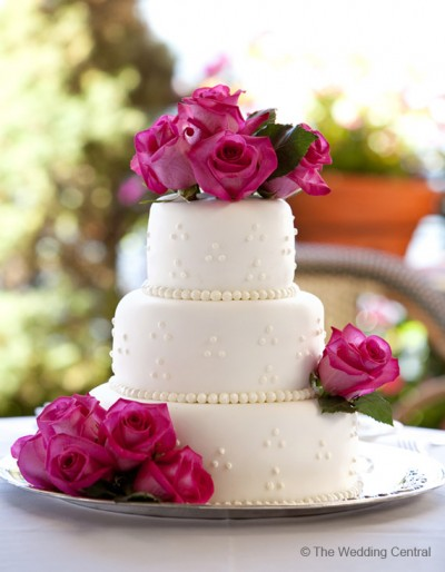 wedding cake hot pink roses
