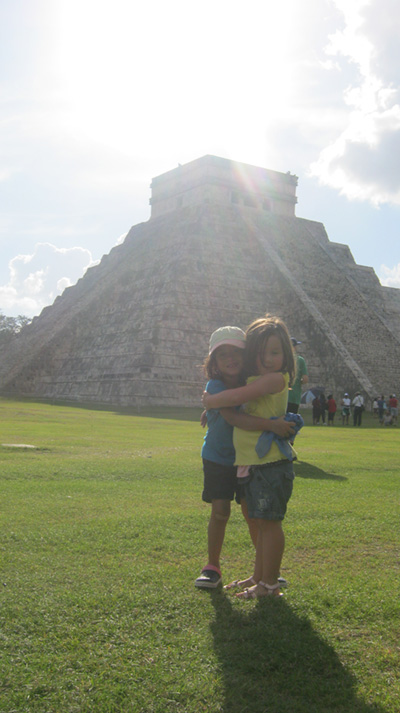 isabella and bff chichen itza - vacations cancun