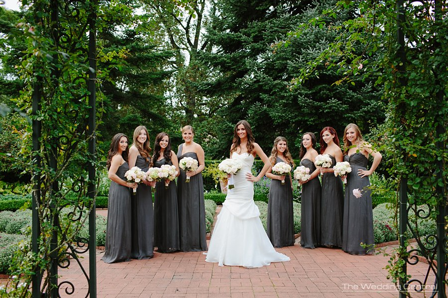 pretty bridesmaids - ny botanical gardens wedding photography - ny wedding photographer
