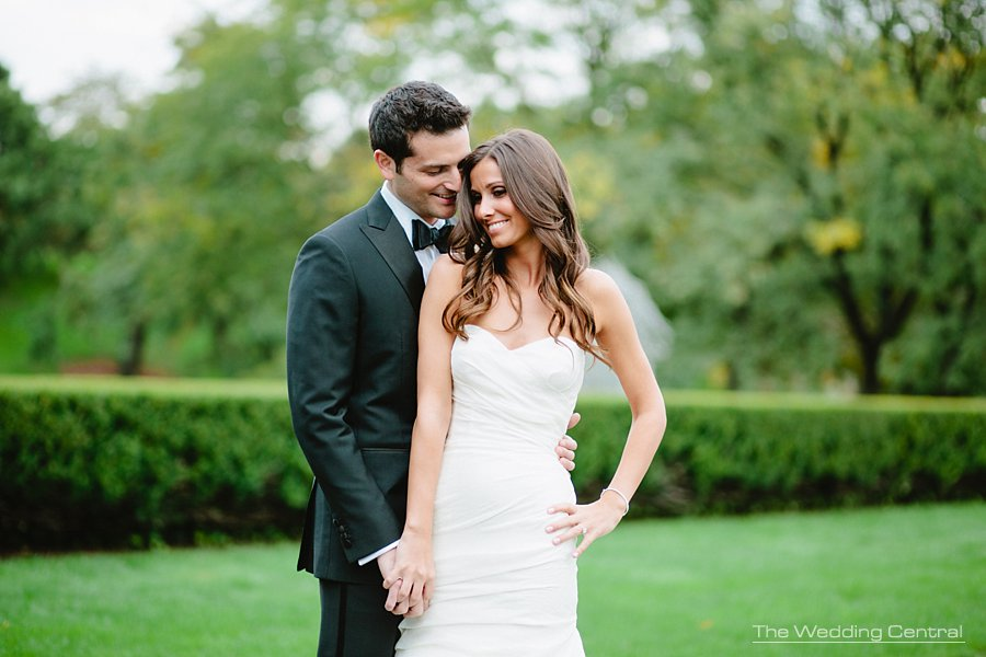 elegant bride and groom - ny botanical gardens wedding photography - nj wedding photographer