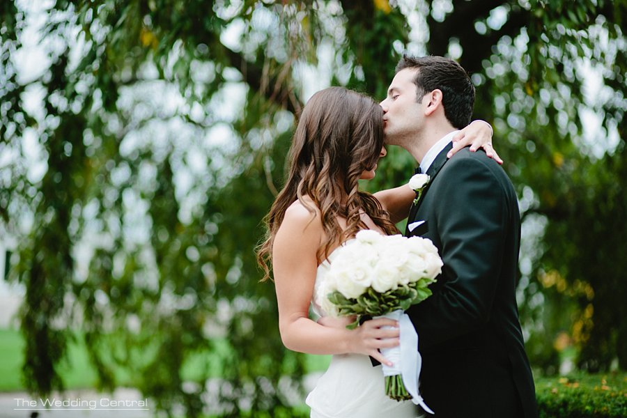 gorgeous bride and groom - bronx botanical gardens wedding - ny wedding photographer