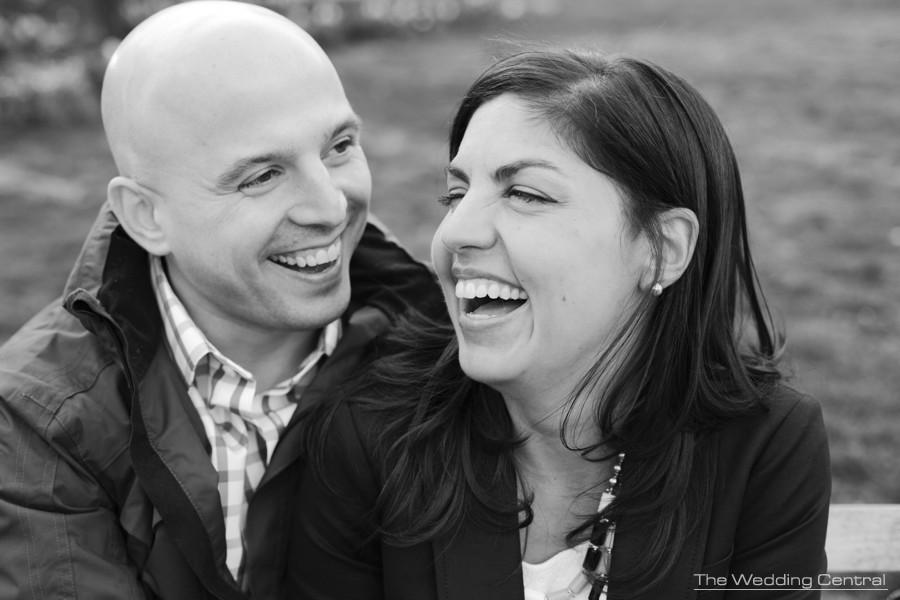 washington square park engagement photos by new york wedding photographer Gaby Fuentes