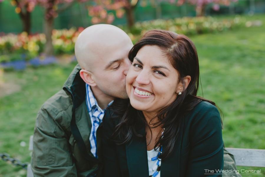 new york wedding photographer - washington square park engagement photos