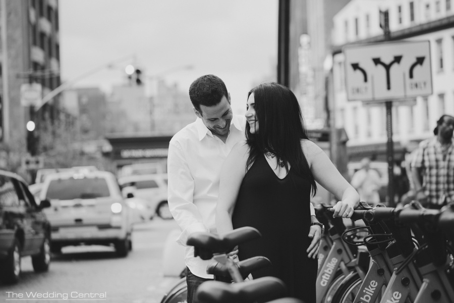 New York engagement photographers - nyc engagement pictures