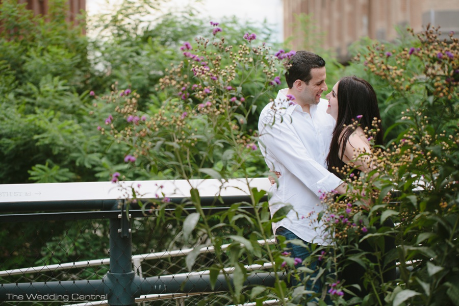 New York City engagement photographers - new york city engagement pictures