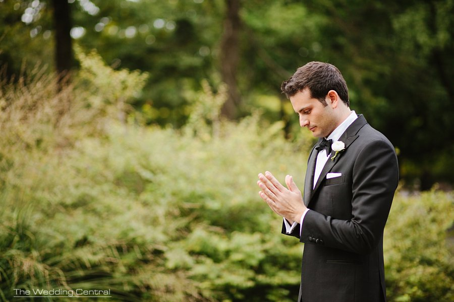groom waiting first look - ny botanical gardens wedding - ny wedding photographer
