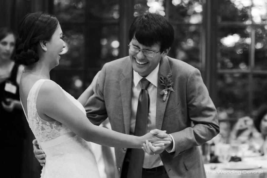 candid photojournalistic wedding photos - pa wedding photographer
