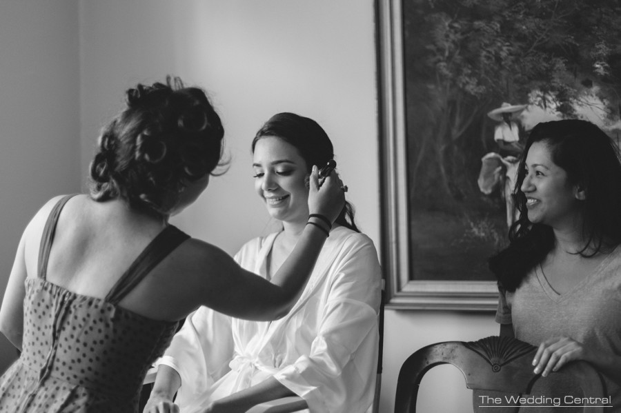 candid wedding photography new jersey - black and white photos of bride getting ready