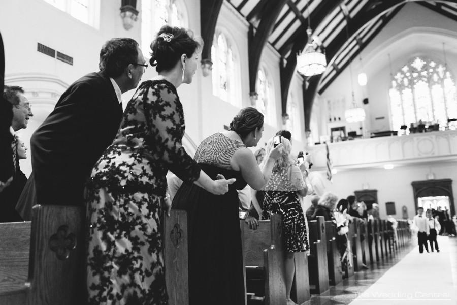 candid wedding photography - ceremony
