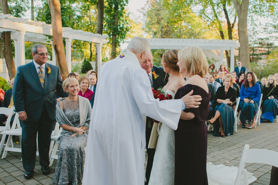 Photojournalistic wedding photographers in New Jersey - Mansion at Bretton Woods wedding photos
