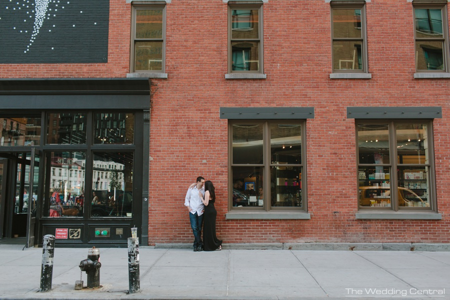 New York City engagement photographer - nyc engagement photos