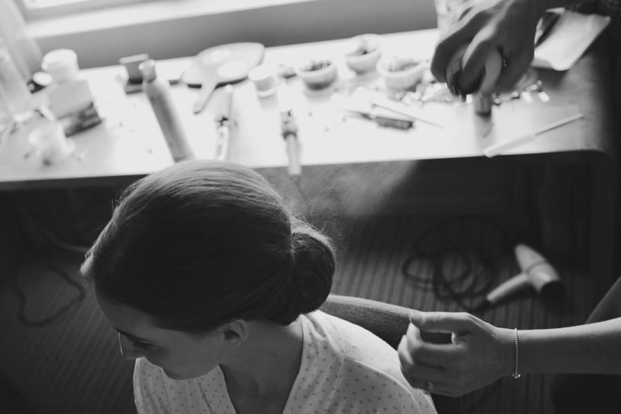 Getting ready - Documentary wedding photography